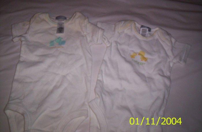2 Carter's Newborn Onesies(White) Unisex Onesies 5-7lbs
