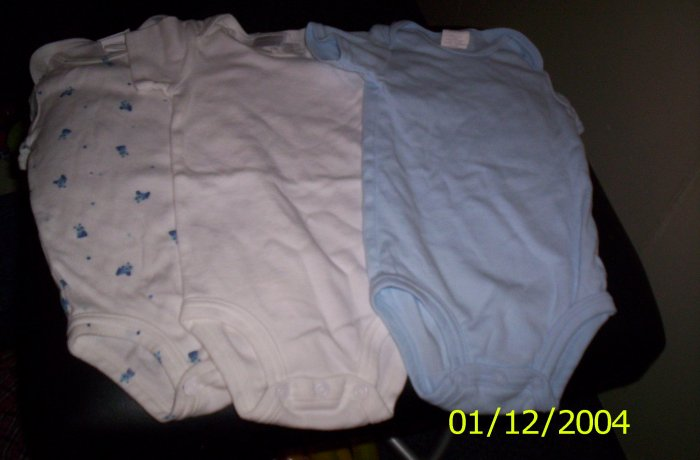 Carter's baby Onesies 4 Blue 3-6 months 12-18lbs