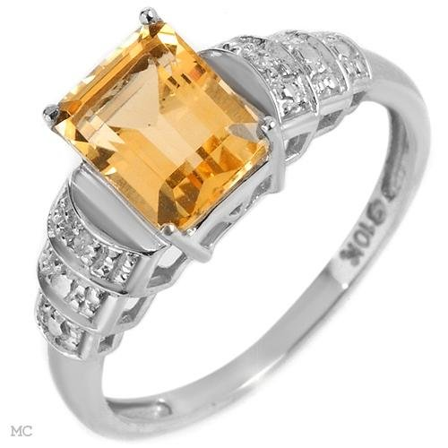 Diamonds and Citrine Ring Made of  10K White Gold