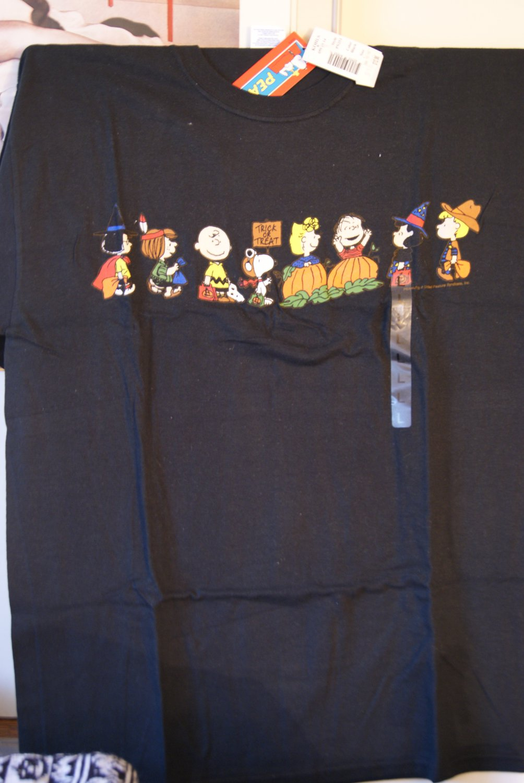 Peanuts / Halloween tee