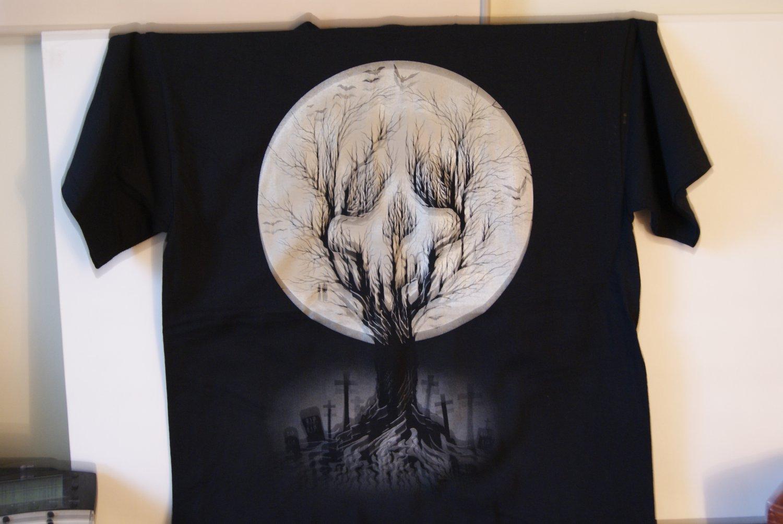 skull tree tee