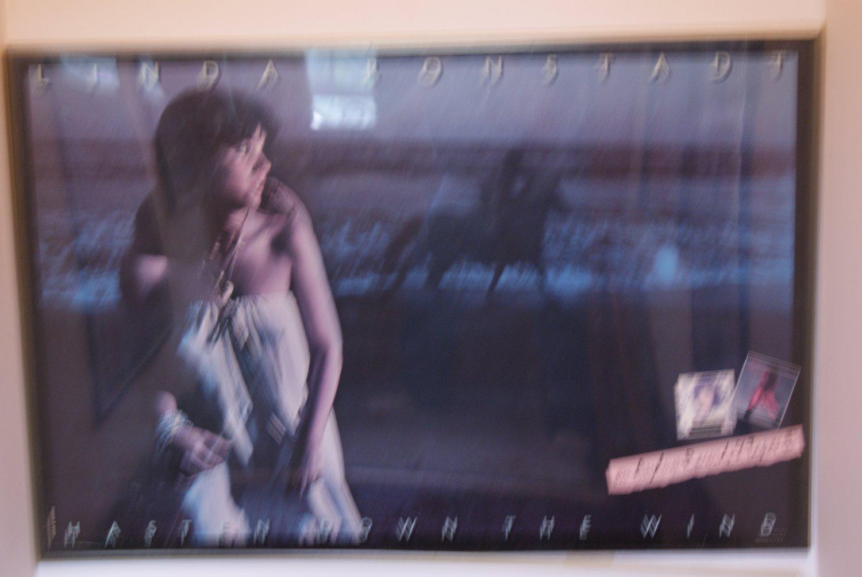 Linda Ronstadt  / Hasten down the wind poster