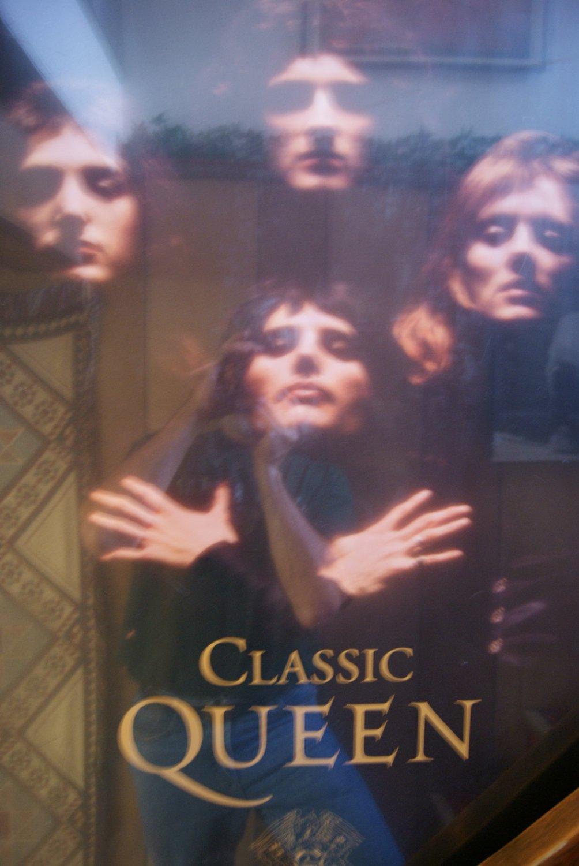 Queen poster