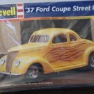 '37 Ford Coupe street rod model kit