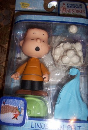 Peanuts Linus Christmas Figure NEW Snowball Blanket