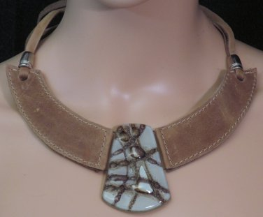 BRAND NEW Handmade Khaki Buenos Aires Leather Choker #0585