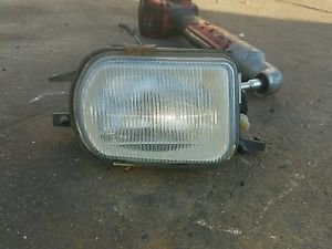 02 03 04 05 Mercedes-Benz C230 Fog Light LEFT DRIVER Side OEM 2158200656