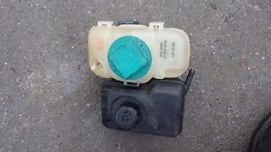 01-04 Volvo Power Steering Coolant Overflow Reservoir Tank 8683455 S60 V70 XC90