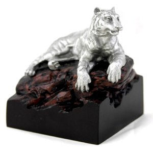 9813 - Tiger Figurine (B)