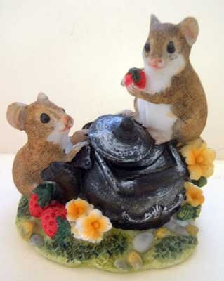Mice & Teapot Tea Pot Collectible Decor