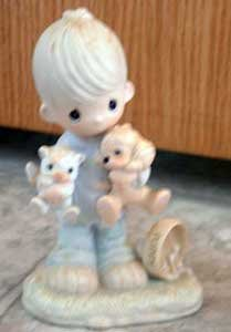 Precious Moments : Blessed Are the Peacemakers : Enesco Porcelain
