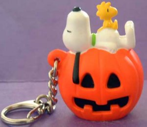 SNOOPY Dog Peanuts & WOODSTOCK Bird Halloween Key Chain