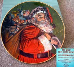 'The Magic that Santa's Brings' Avon Holiday Collectible Plate