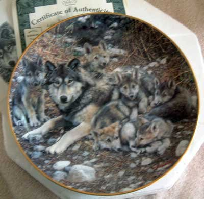'Den Mother' Wolf Bradford Exchange Collector Plate