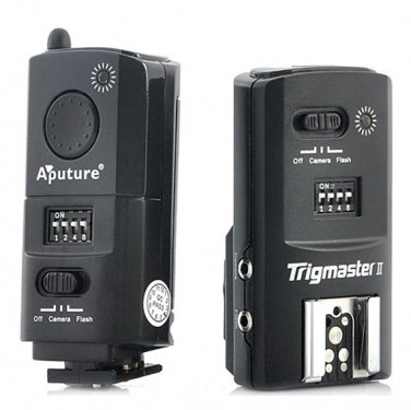Aputure Trigmaster II 16CH 2.4GHz Flash Trigger + Camera Shutter  Canon DSLR Camera