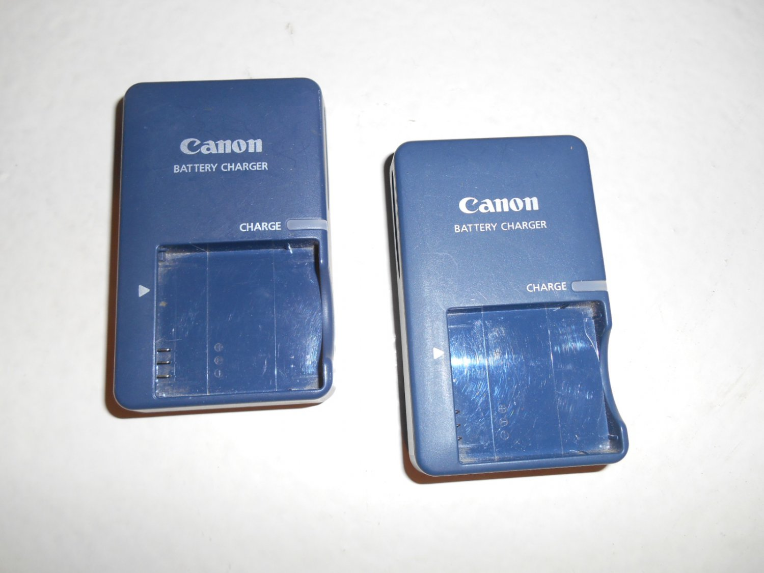 Lot of 2 Canon battery charger CB-2LV