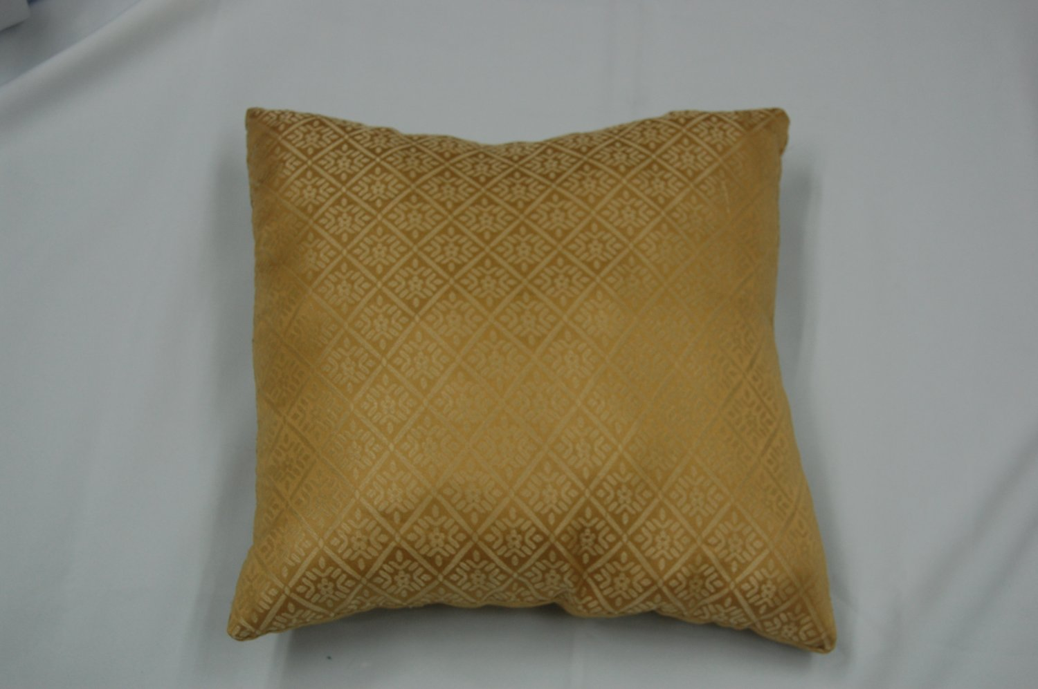 Jacquard Decorative Pillows : JACQUARD THROW PILLOW GOLD