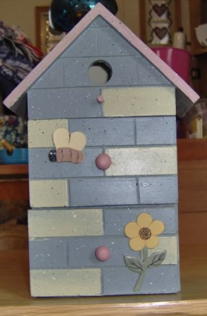 SWEET BIRDHOUSE WITH DRAWERS