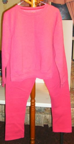 Hanes Sweatsuit, Pretty Dark Pink Color Size Medium, Comfortable & Warm, 2 Piece