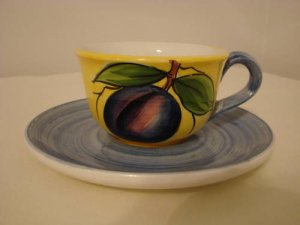 Handpainted Plum Cup and Saucer   Made in Italy  (427)
