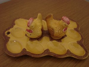 578  Deviled Egg Platter with Chicken Salt & Pepper Shakers