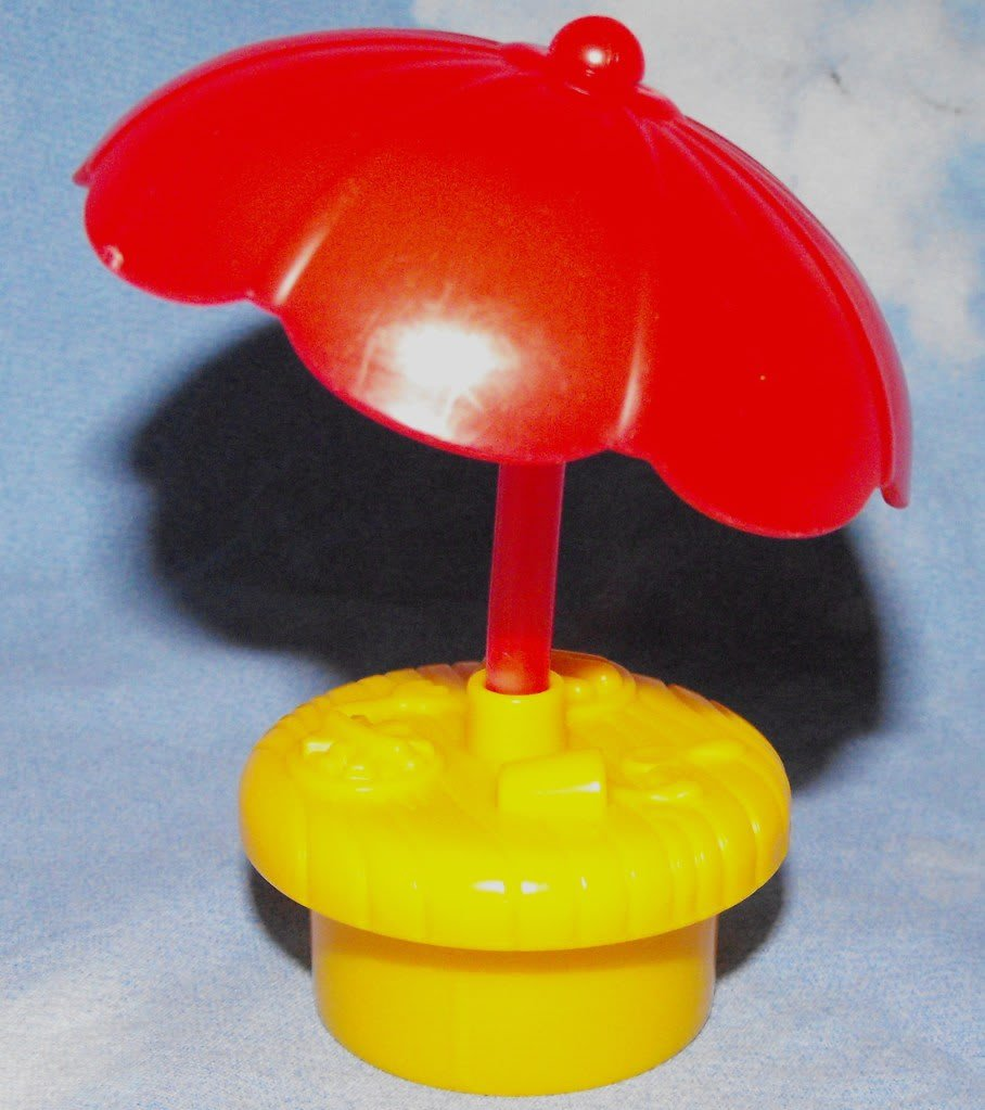 *9/13*SOLD~Fisher Price Little People Discovery Village Umbrella Table