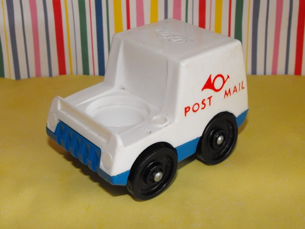 12*SOLD~Vintage Fisher Price Little People Post Mail Mailman Car