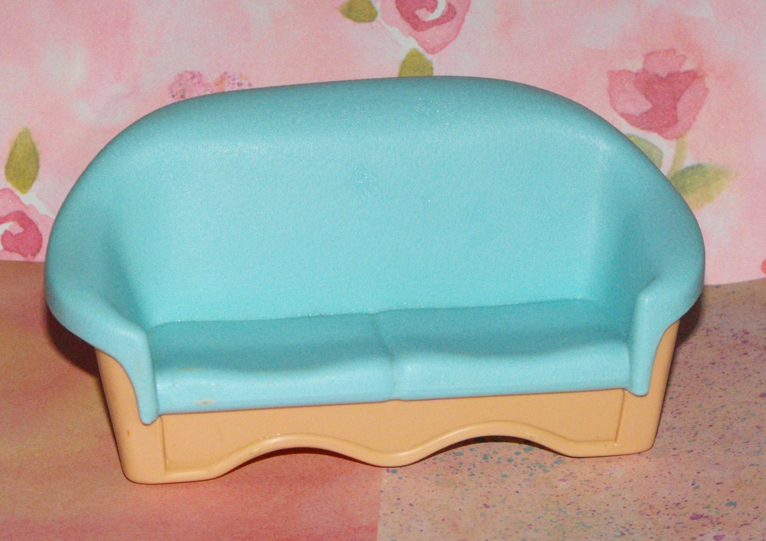 11*SOLD~FISHER PRICE LOVING FAMILY DOLLHOUSE COUCH