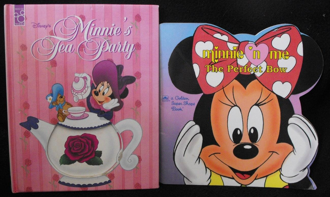 DISNEY MINNIE MOUSE BOOK LOT