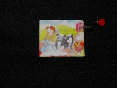 VINTAGE SANKYO HAND-WIND UP MUSIC BOX OLD MACDONALD