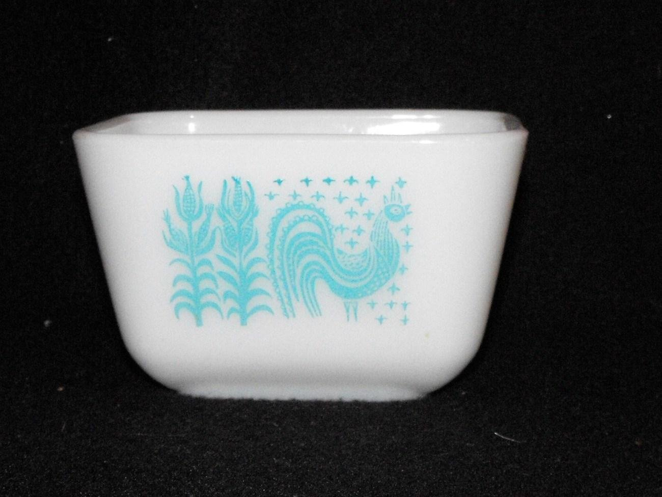 *SOLD~Awaiting Feedback~Vintage Pyrex Butterprint Amish Rooster Storage Dish