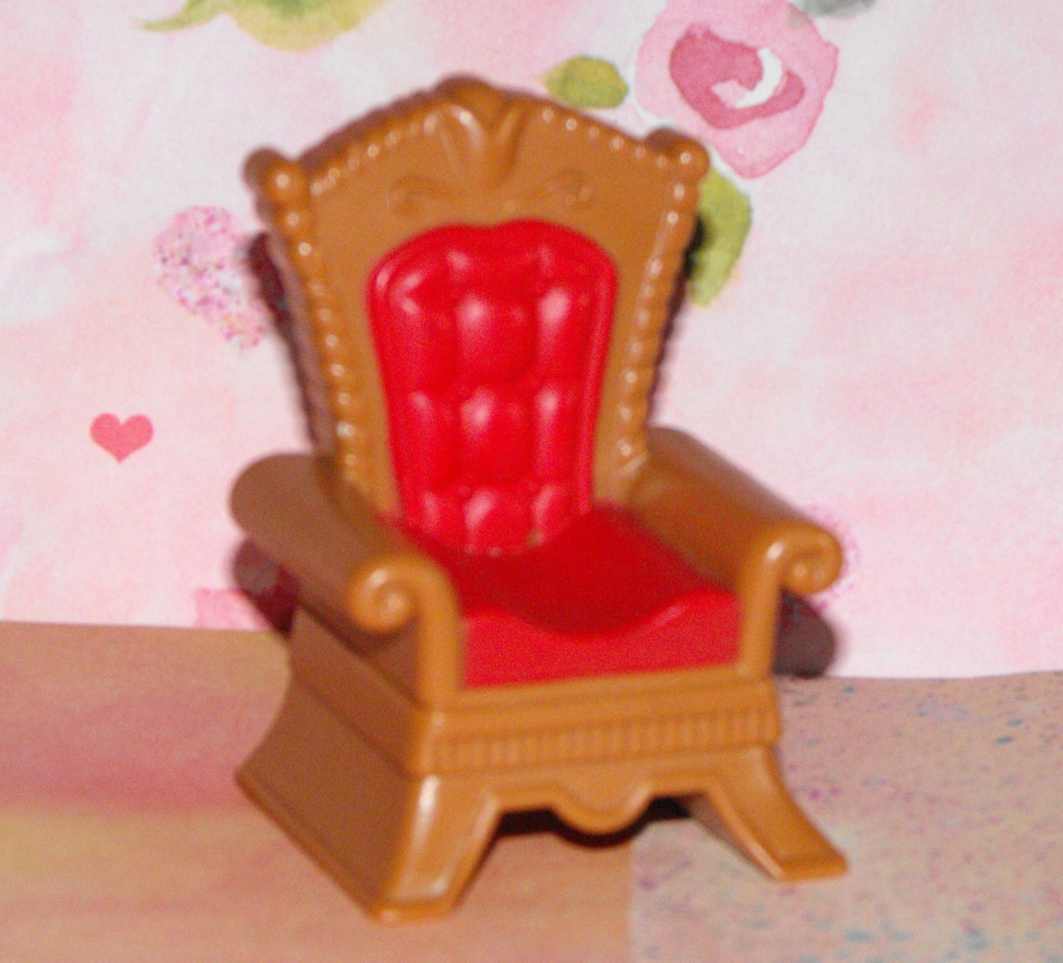 SOLD*awaiting feedback*Polly Pocket  Dollhouse Kelly Size Castle Throne Chair