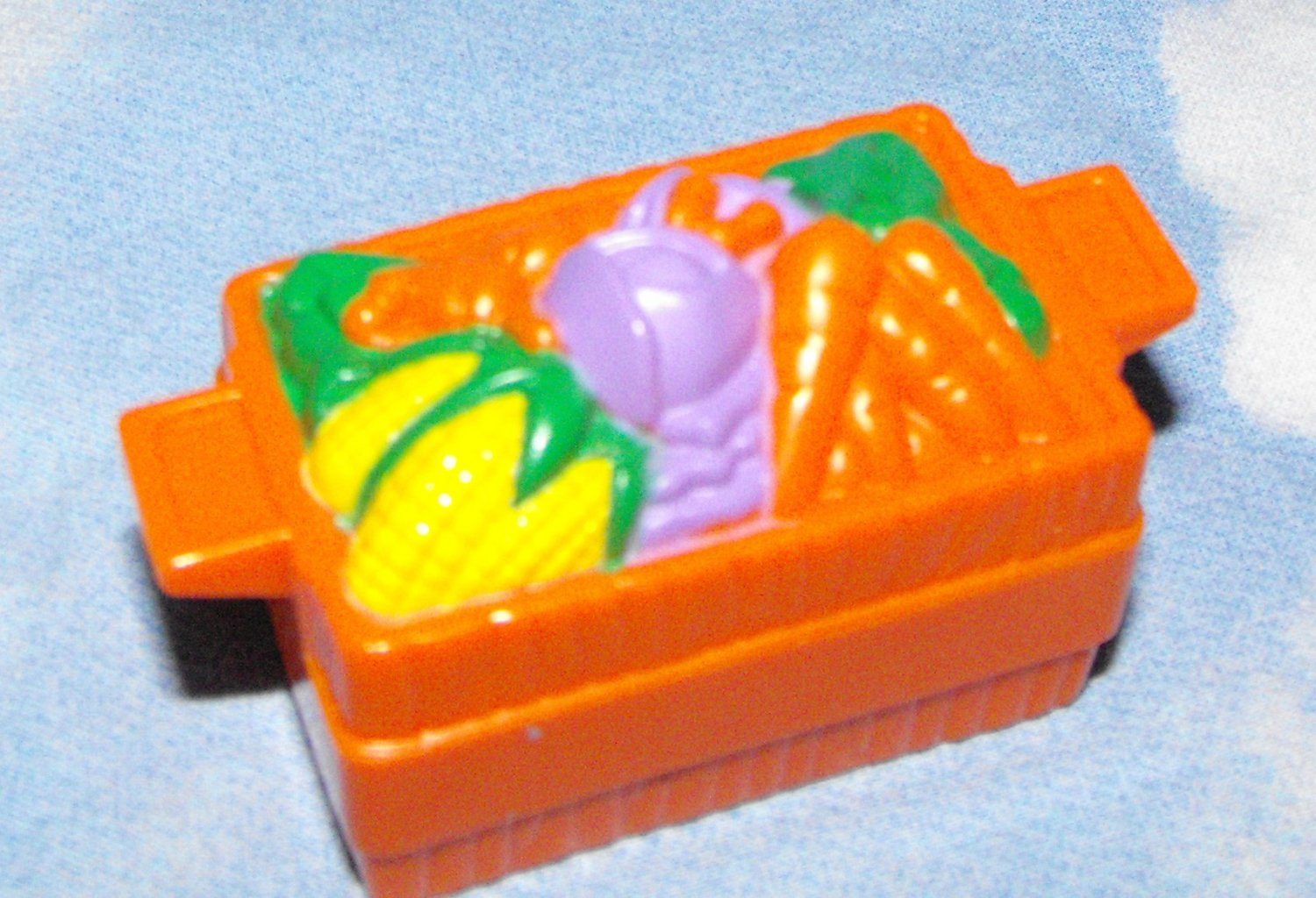 1*SOLD~Fisher Price Little People Farm Zoo Vegteable Crate Cart Part