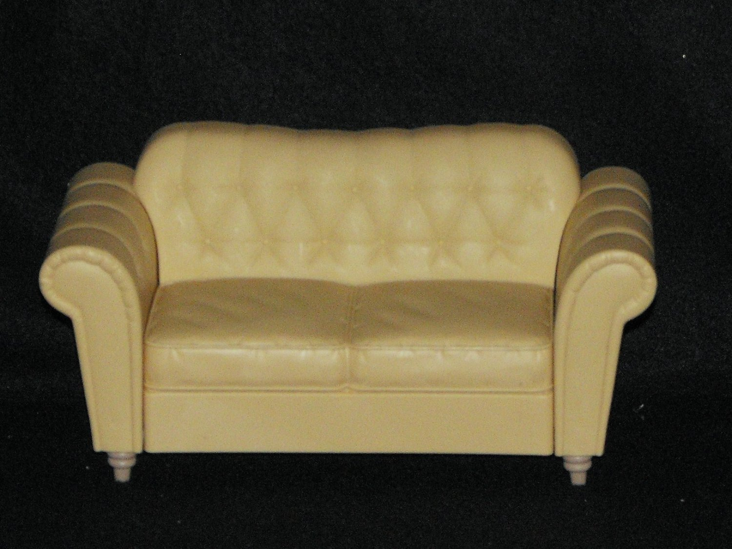 *SOLD~Awaiting Feedback~BARBIE TAN COUCH DOLLHOUSE LIVINGROOM FURNITURE