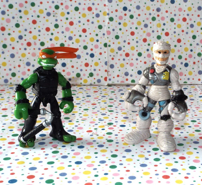 Teenage Mutant Ninja Turtles Mini Mutants Michelangelo vs Rat King