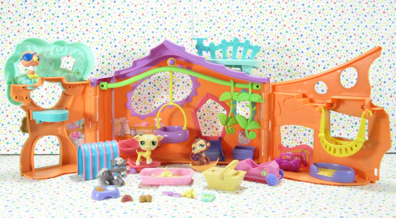 Littlest Pet Shop Pets Only Clubhouse