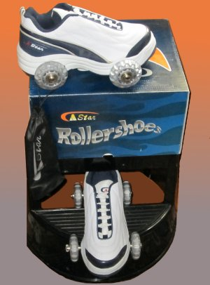 NEW White & Navy Wheely Roller Shoes Skates Boys 4 Ladies 5.5  8945a