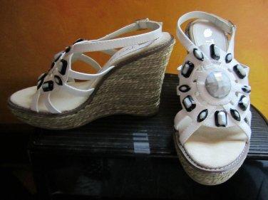 NIB Victoria's Secret Two Lips $169 White Embellished Beaded Platform Wedge Sandals 8 266672