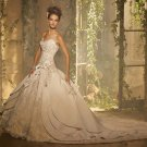 long  Tail    Sleeveless wedding  Gown