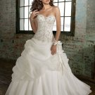 Europe  Fabulous  sweatheart  embroidrered  wedding dress