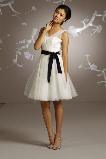 White  Deep V  Neck   A-line  short  bridesmaid  dress
