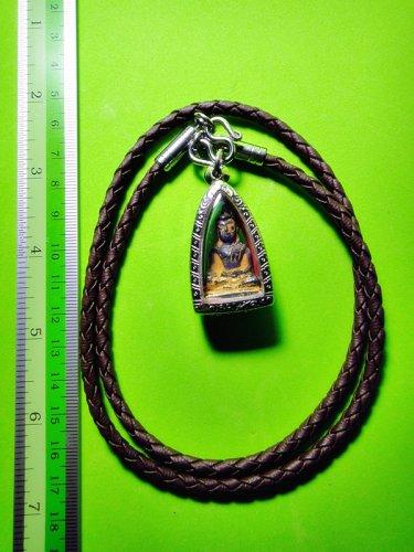 1836-THAI AMULET HAND CARVING NAGA EYE GEMS STONE BUDDHA OLD MINI PENDANT VIOLET
