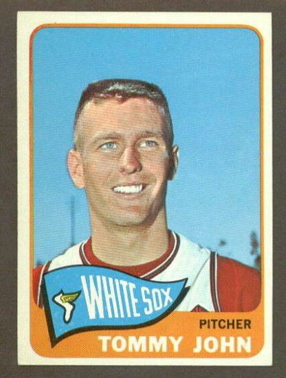 1965 Topps baseball set # 208 Tommy John Chicago White Sox