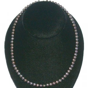 14K Gold Genuine 5.5mm Black Pearl Necklace 16in.