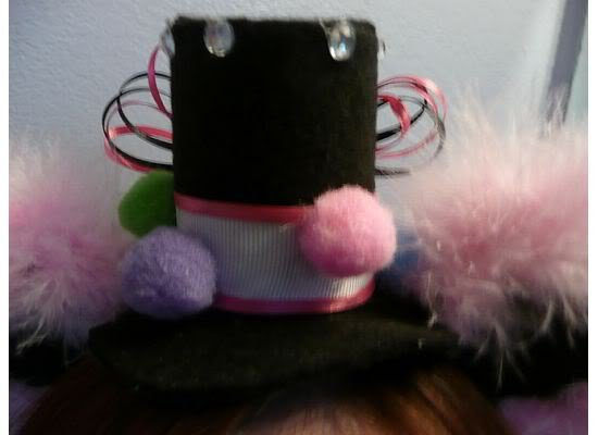 Mini Lolita Hat with Ears - Circus (White Feathers)