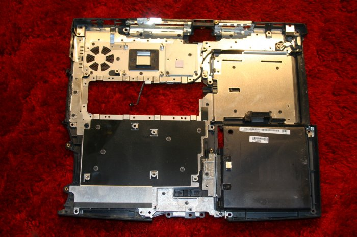 DELL INSPIRON 2650 BOTTOM BASE!!!!