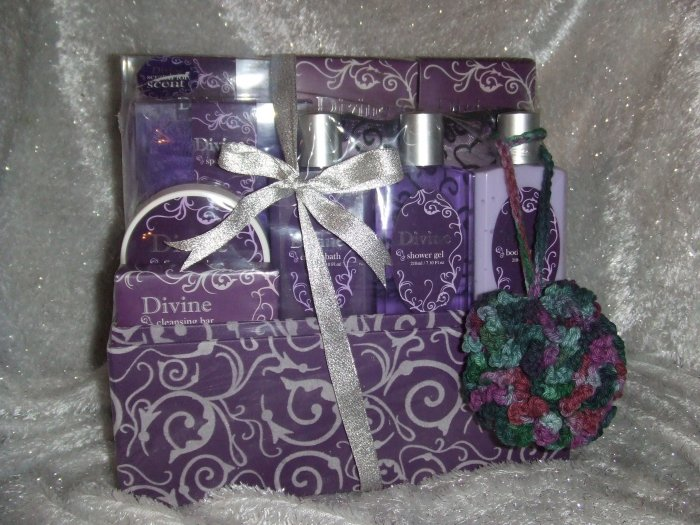 Divine Purple Gift Box with Bath Products