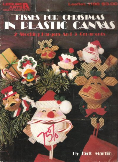 Kisses for Christmas in Plastic Canvas Stocking Hangers and 5 ornaments #2PCSC