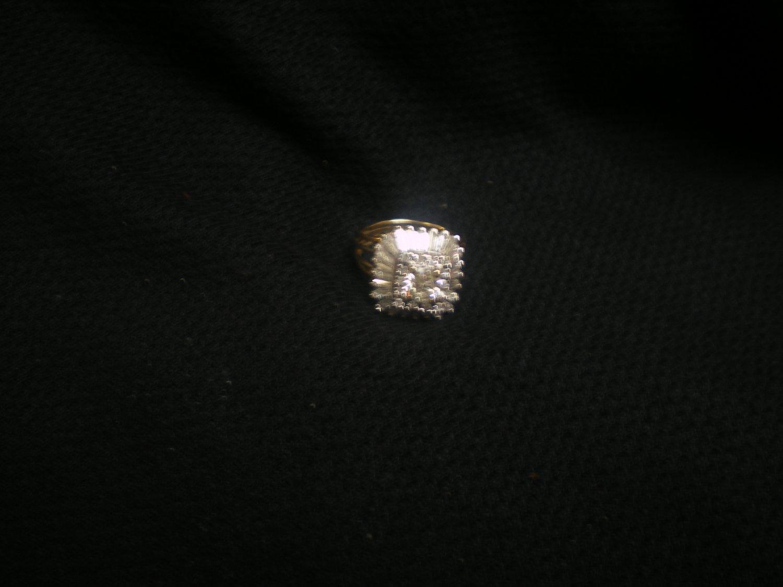 7.3 gram ladies two tone gold ring