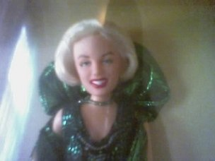 NEW IN ORIGINAL BOX- EMERALD EVENING MARILYN MONROE